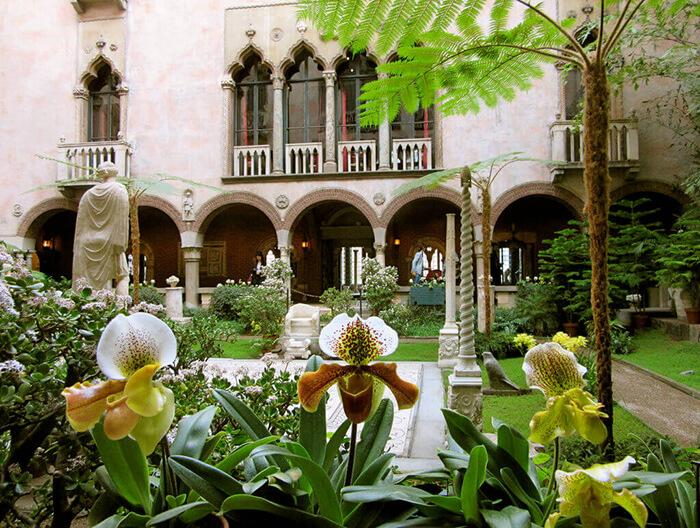 Photo of the Isabella Stewart Gardner Museum Courtyard